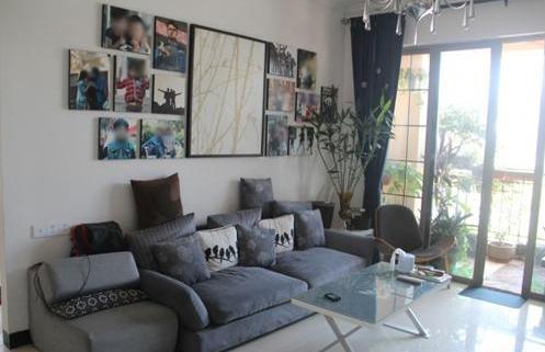 家装不一定要金碧辉煌,白墙也可以是很好的设计