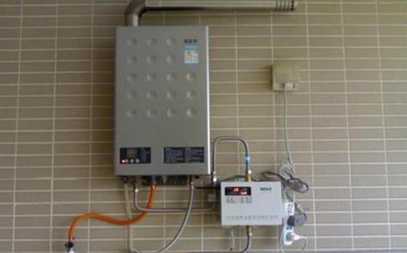 比较电热水器和燃气热水器哪个更好