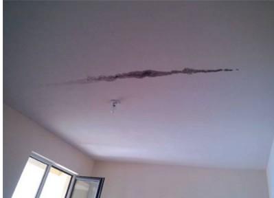 楼顶裂缝如何修补,屋顶出现裂缝的原因分析