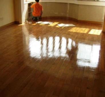 地面打蜡的施工流程,地板打蜡技巧