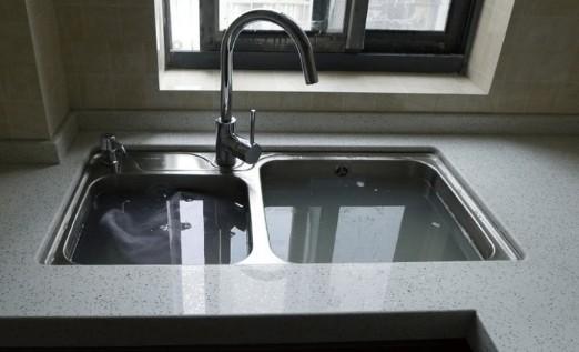 厨房用台上盆好还是台下盆好呢,台下盆怎么固定最结实
